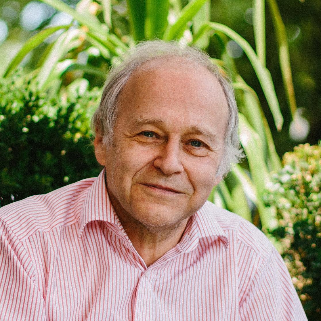 Fischer Ádám: A segítségnyújtás nem lehet bűncselekmény